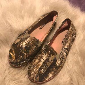 Realtree airwalk slip on shoes